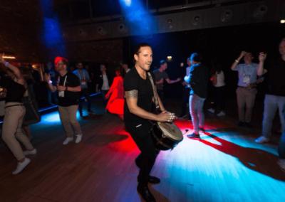 Trommler auf Konferenz Party 2019